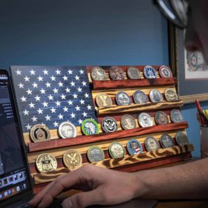 Challenge Coin Stand US Flag